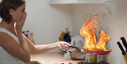 Fettbrand - Nie mit Wasser löschen