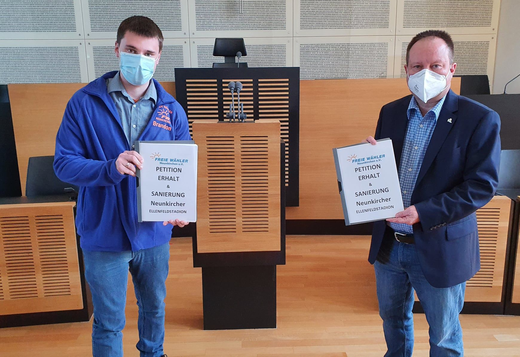 FREIE WÄHLER überreichen Petition an saarländischen Landtag