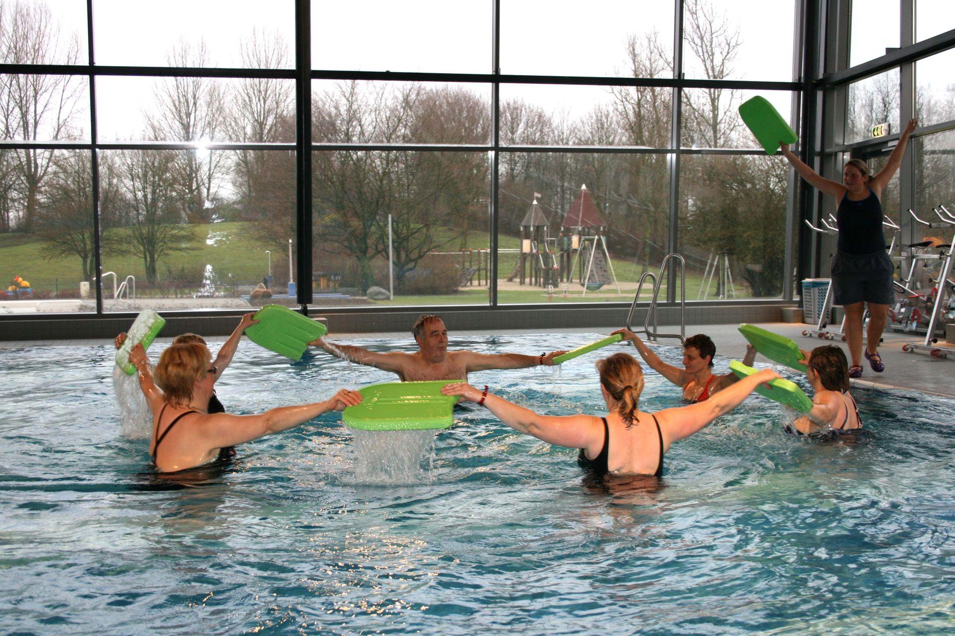 Senioren Wassergymnastik | AquAHAUS