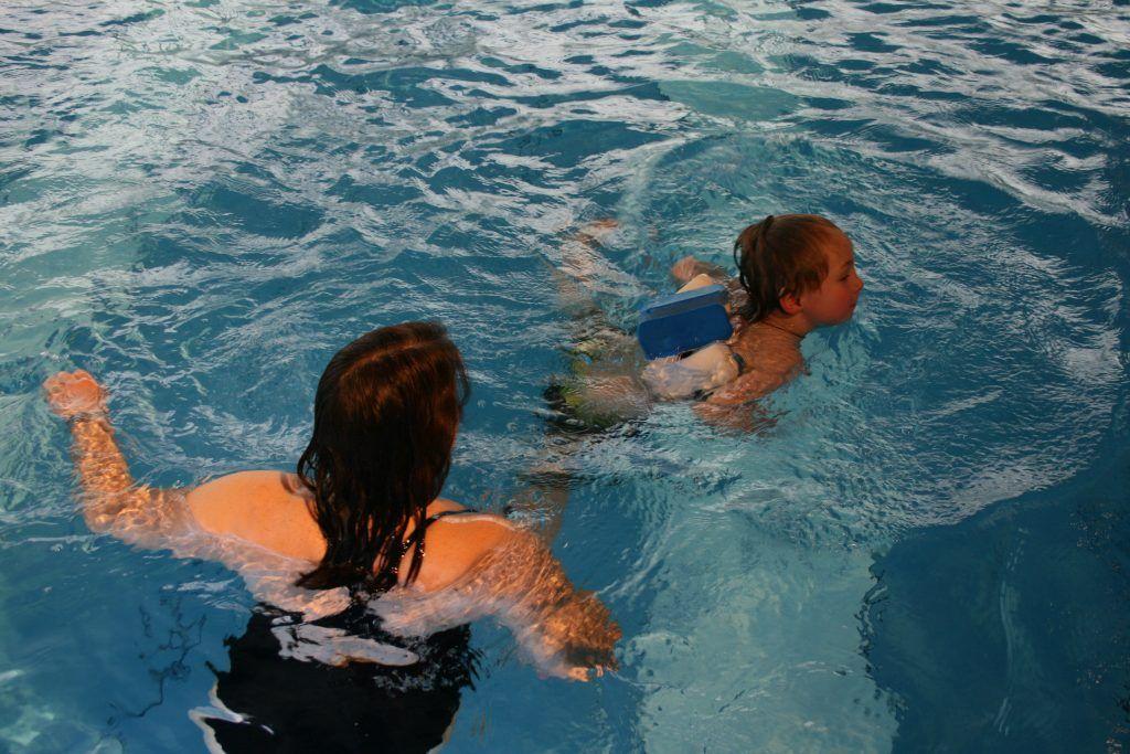 Schwimmkurs für Anfänger ab 4 Jahren | AquAHAUS