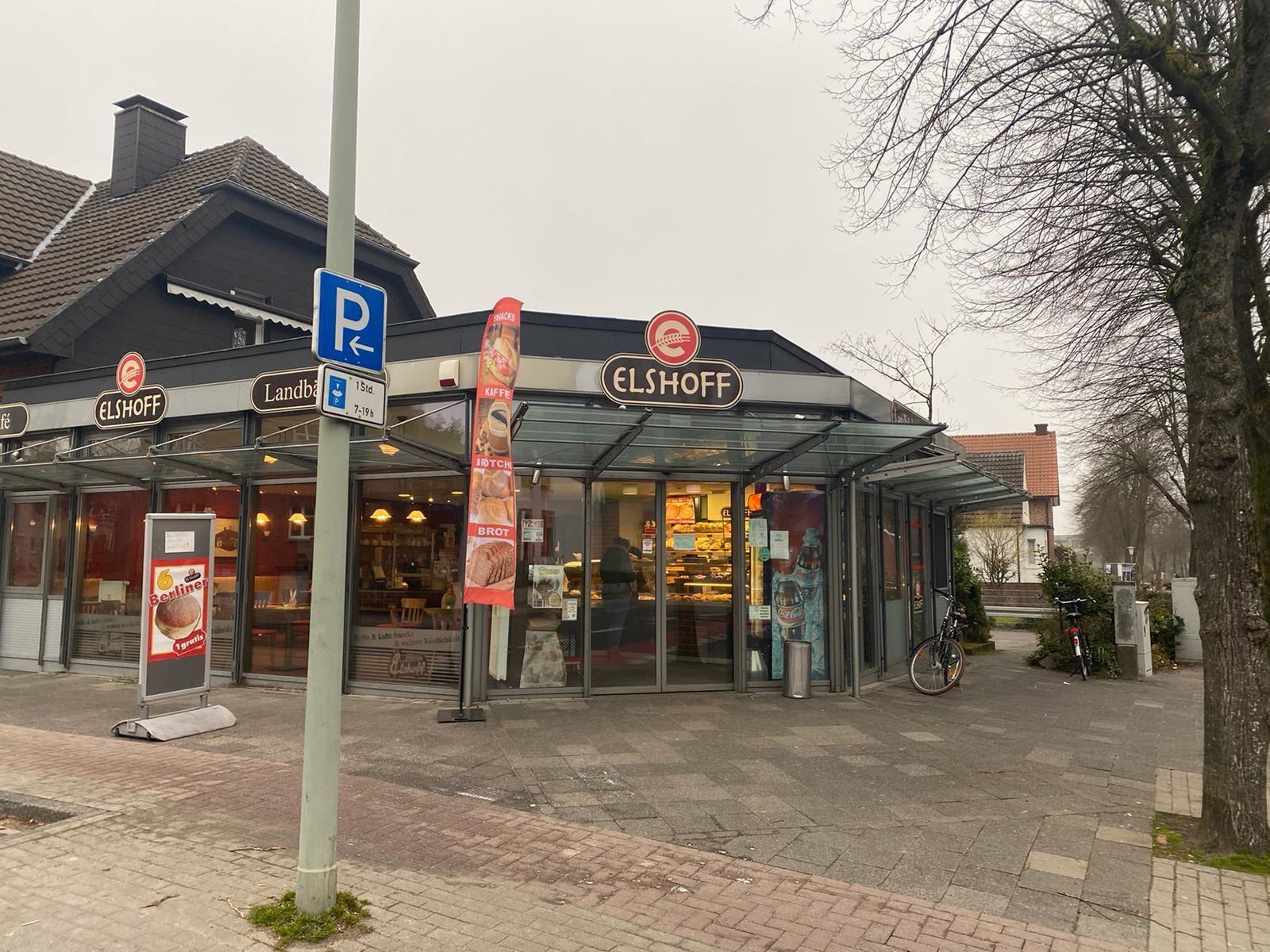 Bäckerei- Café mit großem Kuchenverkauf in