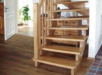 Treppen | Läken Tischlerei & Fenstertechnik GmbH