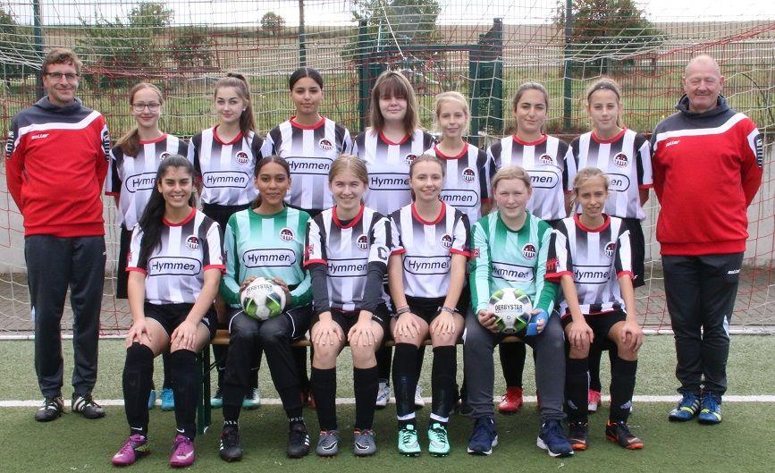 Frauen - und Mädchenfussball - Frauen und Mädchen