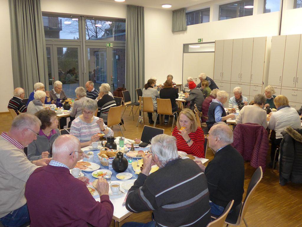 Seniorengruppe Herbstlaub - Seniorengruppe