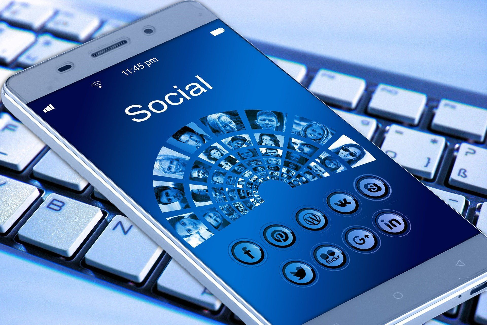SOCIAL MEDIA MANAGEMENT - Social Media Management